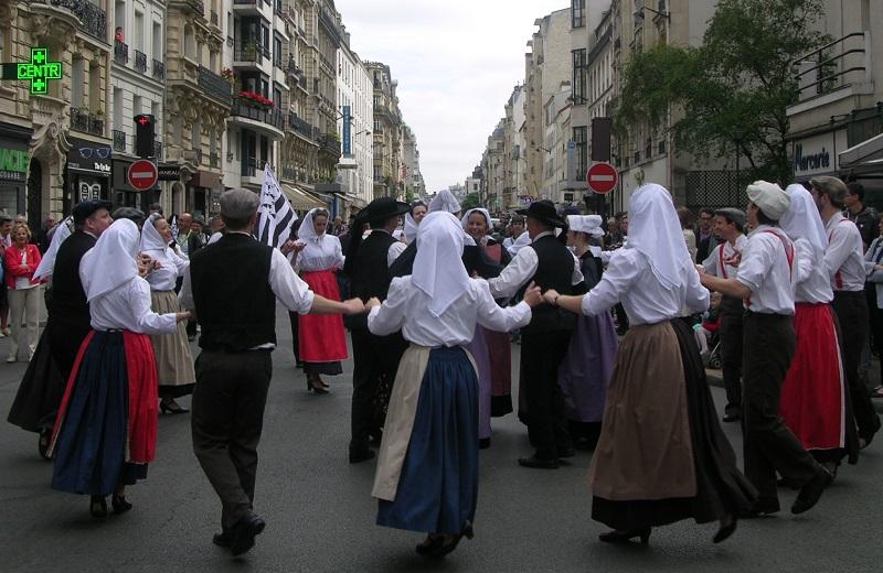 Fete Bretagne 2015 - Breizh parade danse - Cercle Celtique Poissy - Paris 15