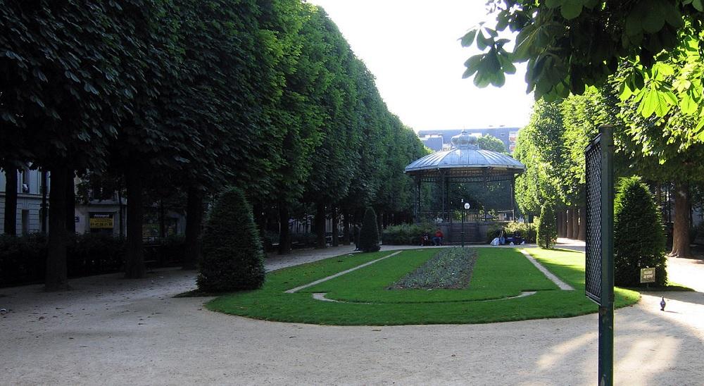 square commerce - yvette chauviré - paris 15 eme arrondissement (c) Wikipedia