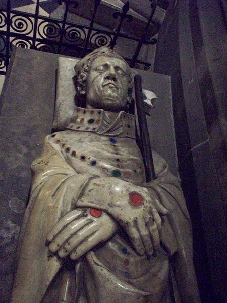 gisant de Matifas de Bucy - (c) Giogo (Wikimedia Commons)