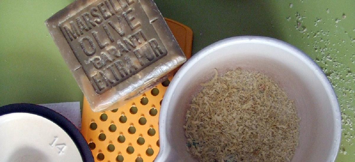 25 produits ménagers écologiques à fabriquer soi-même, le livre de recettes
