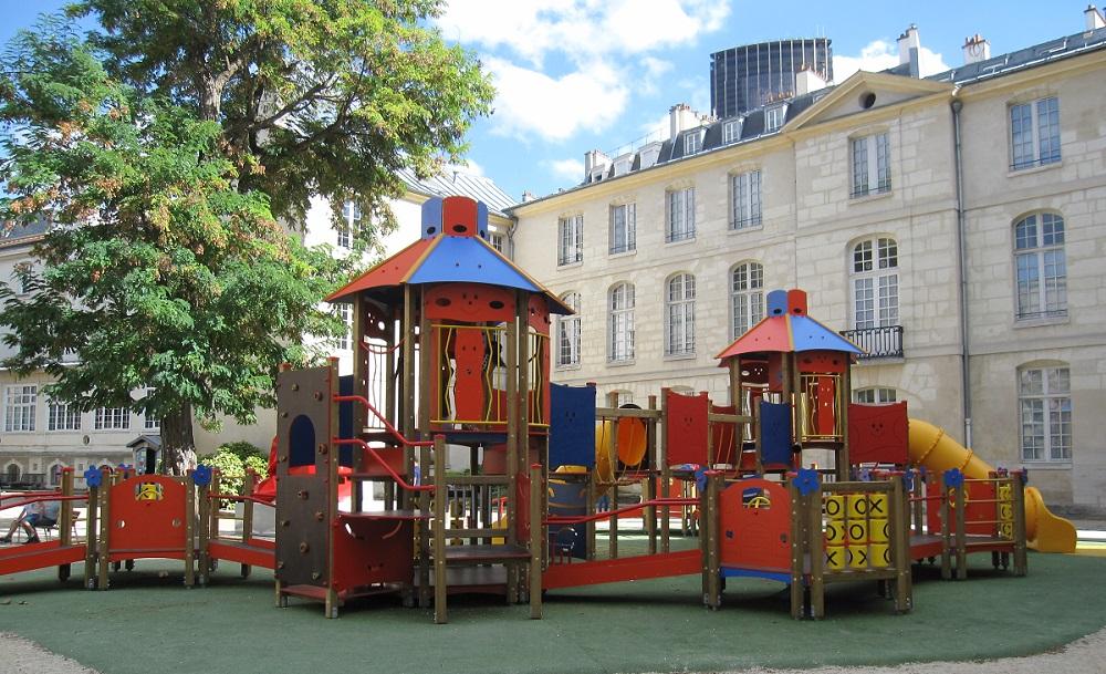 Aire de jeux inclusive - adaptée handicap - Hopital Necker Enfants malades AP-HP - Paris 15