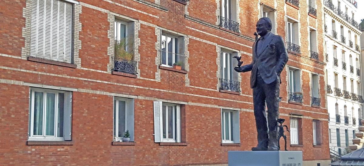 René Goscinny statue rues Singer Boulainvilliers Paris 16