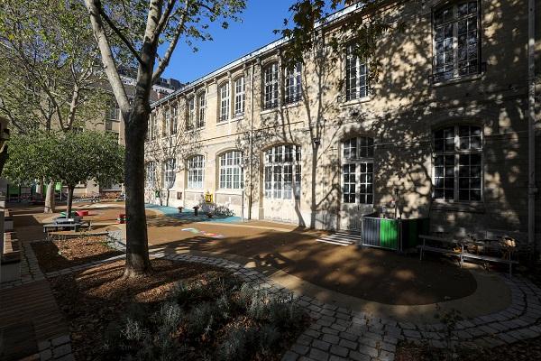 Cour Oasis Amiral Roussin Paris 15 (c) DCPA - Ville de Paris