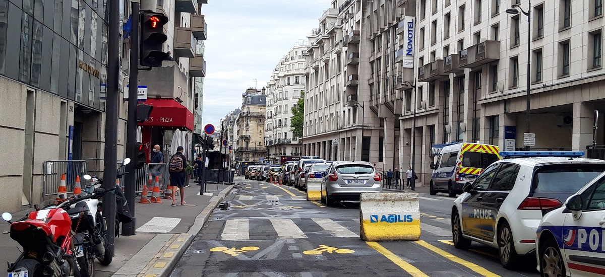 Piste cyclable rue de Vaugirard Paris 15