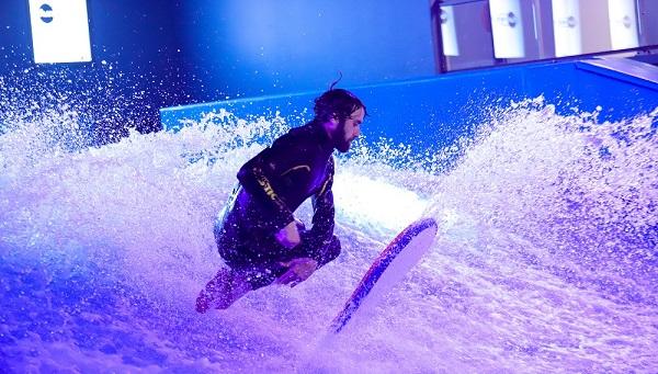 surf wave in paris 15 (c) Meryl Curtat